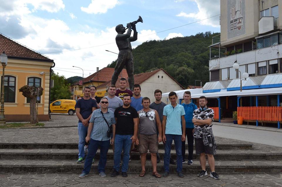 Младите фармери на НФФ  на студиско патување